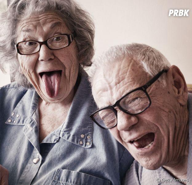 Escolha velhinhos da ficção neste teste e te daremos uma série para assistir com seus avós na quarentena!