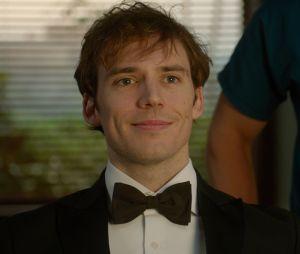 """Sam Claflin atua ao lado de Millie Bobby Brown em """"Enola Holmes"""", novo filme da Netflix"""