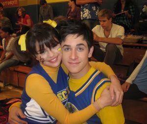 """""""Os Feiticeiros de Waverly Place"""" de volta? Fãs especulam retorno após vídeo misterioso de Selena Gomez e David Henrie"""