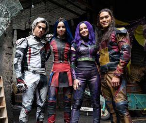 """""""Descendentes"""": fãs poderão rever Cameron Boyce como Carlos no novo curta do Disney Channel"""