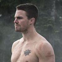 "Séries ""Arrow"" e ""The Flash"" têm seus mid-season finales bombásticos!"