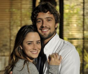 """""""A Vida da Gente"""": o amor deAna (Fernanda Vasconcellos) e Rodrigo (Rafael Cardoso) é interrompido na novela"""