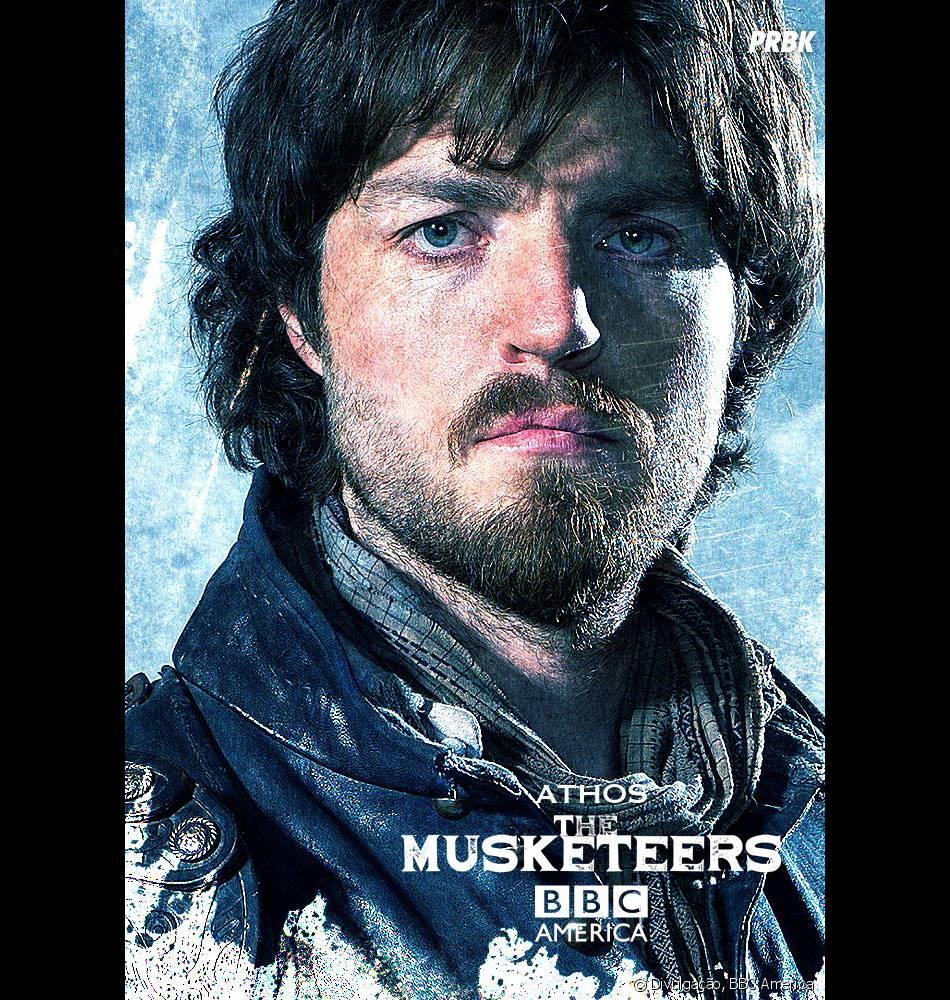 """Athos (Tom Burke) tem uma história longa em seu passado em """"The Musketeers"""""""