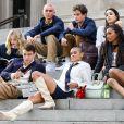 """O reboot de """"Gossip Girl"""" trouxe um elenco muito mais diverso e preservou elementos essenciais da série"""