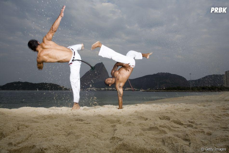 A capoeira mistura entre a luta, dança, música e brincadeira, toda a brasilidade que gostaríamos de ver nas Olimpíadas